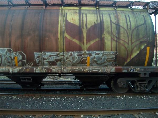 pes graffiti freight train