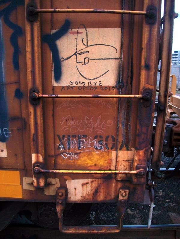 navy8 graffiti freight train
